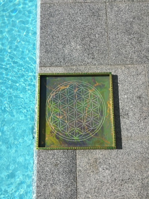 Galya-Art A tray with flower of life